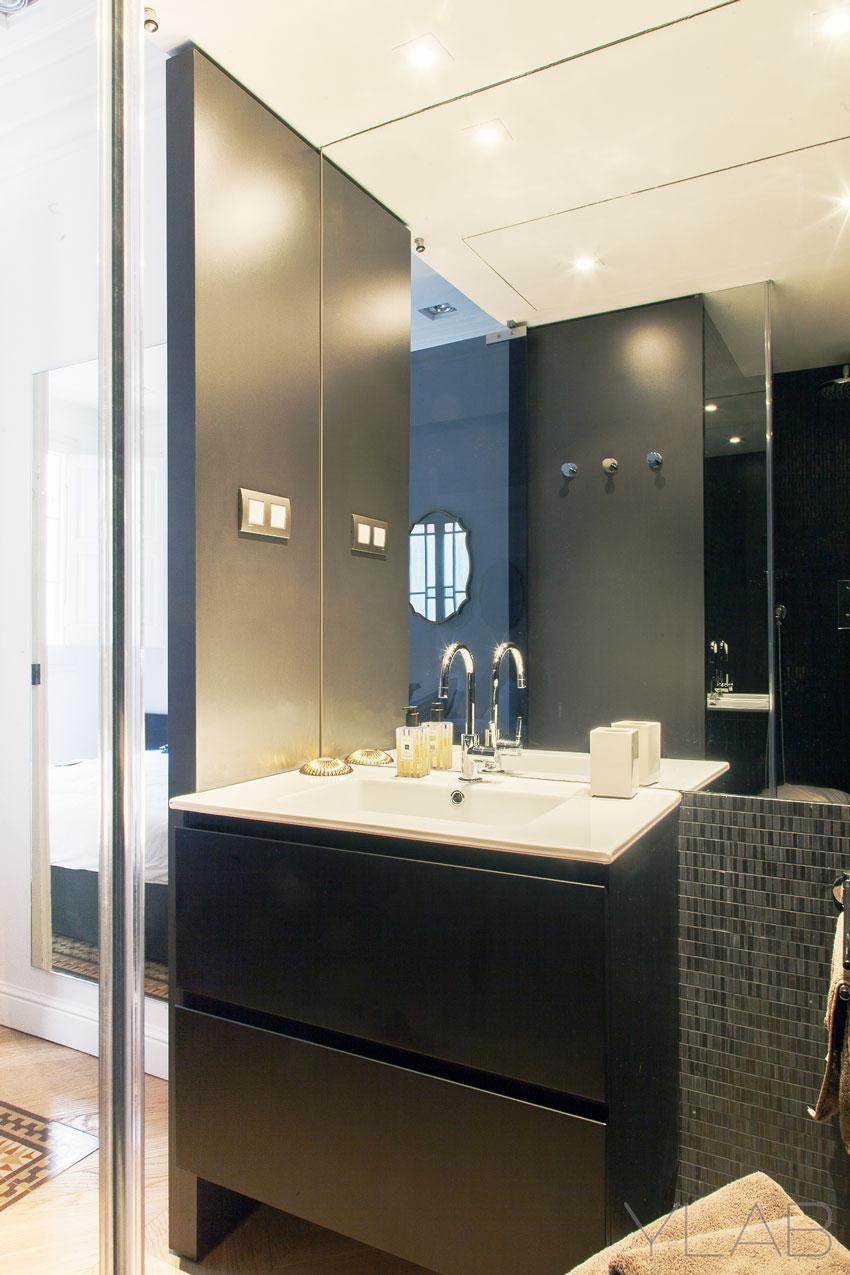Grandes espejos para ba os peque os uniba o for Focos para espejos de bano