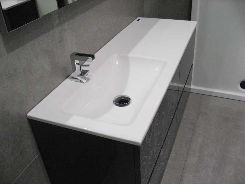 encimera-lavabo-desplazado-larga